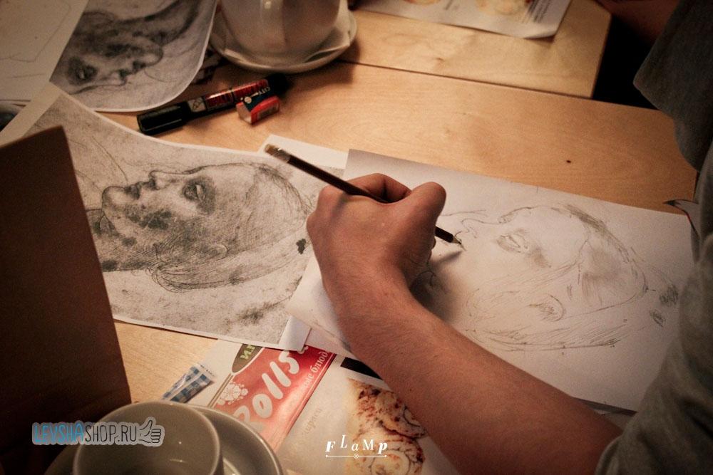 В правополушарном рисовании рисуют отдельными линиями и, для простоты, переворачивают оригинал картины вверх ногами.