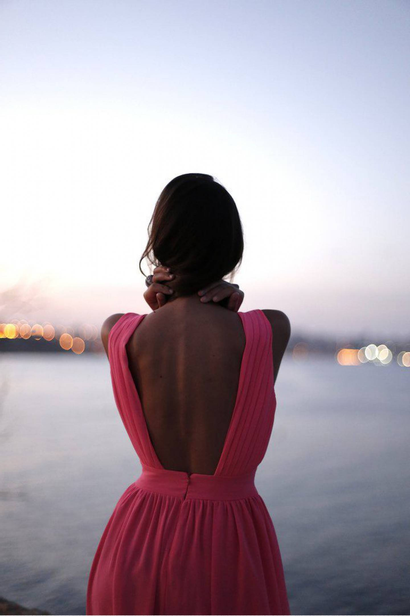 Девушки спиной брюнетки со спины фото