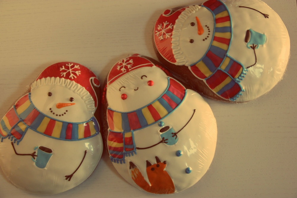 Имбирный пряник-снеговик, 3 штуки.
