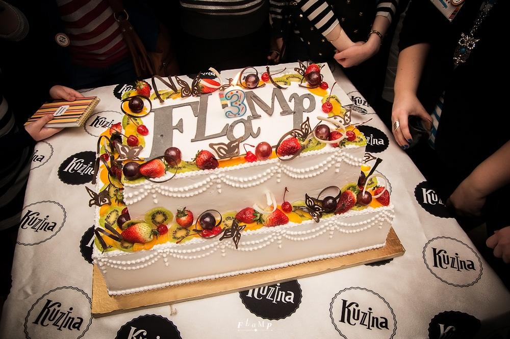 День рождения был бы не тот без огромного именинного торта! Made by Kuzina.