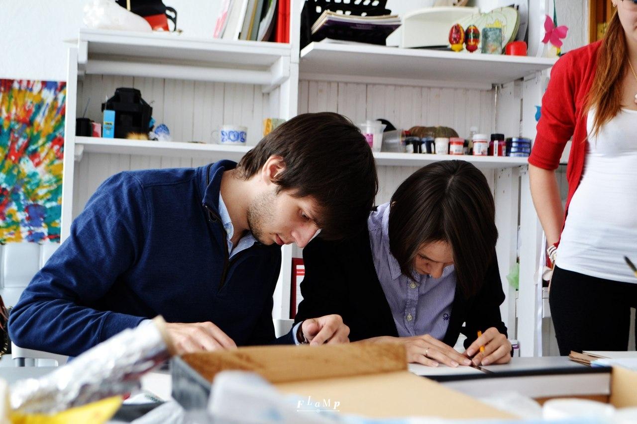 Saglesh и Екатерина Сагалаева за работой.