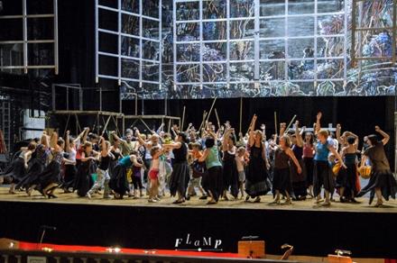Так выглядит опера без костюмов и прочих прекрас. Круто!