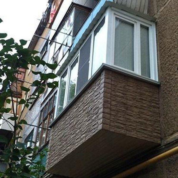"""Услуги - остекление и отделка балконов и лоджий """"под ключ"""" в."""