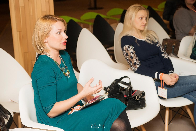 Слева: Юлия, салон «Июль». Справа: Гала, салон Mediart.