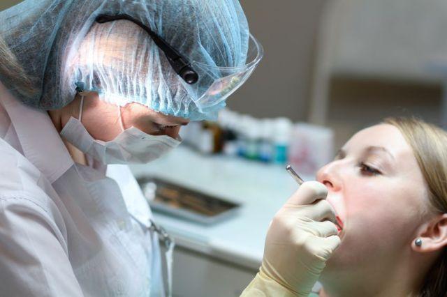 При беременности надо лечить зубы