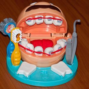 Юному стоматологу:)