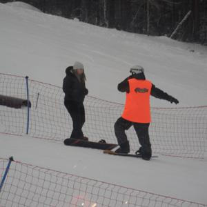 Это меня учат кататься на сноуборде =) Давно было дело... Но я научилась =) Инструктор - Сергей.