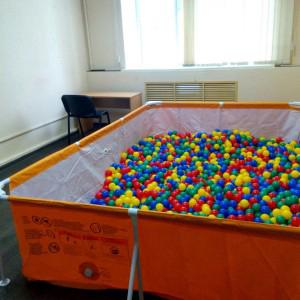 Шарики! Много шариков!