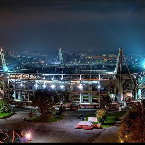 Ночной вид на стадион.
