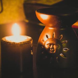 Вот  такие аромо-лампы есть в Леонардо!