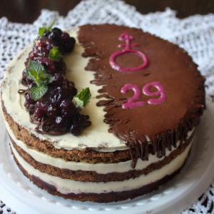 наш черемуховый тортик с кремом и свежей мятой