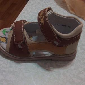 Вот одни из сандаль-эти за 99 рублей=)