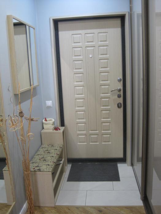 входная дверь узкий коридор