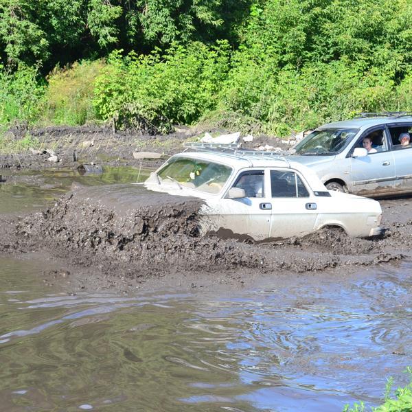 В тот же день ходил потом фотать это озеро на дороге.  Тут еще фотки есть http://neformat.ws/?p=2077
