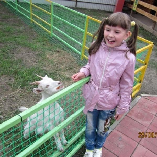 Катя с козлёнком.