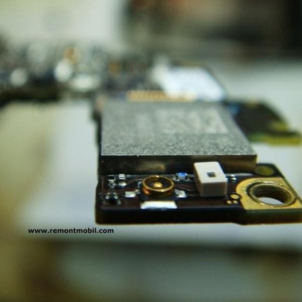 такую фотографию сделают в Skynet Service при ремонте телефона. в моём случае была микросхема wi-fi