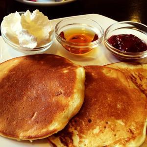 новый завтрак с панкейками