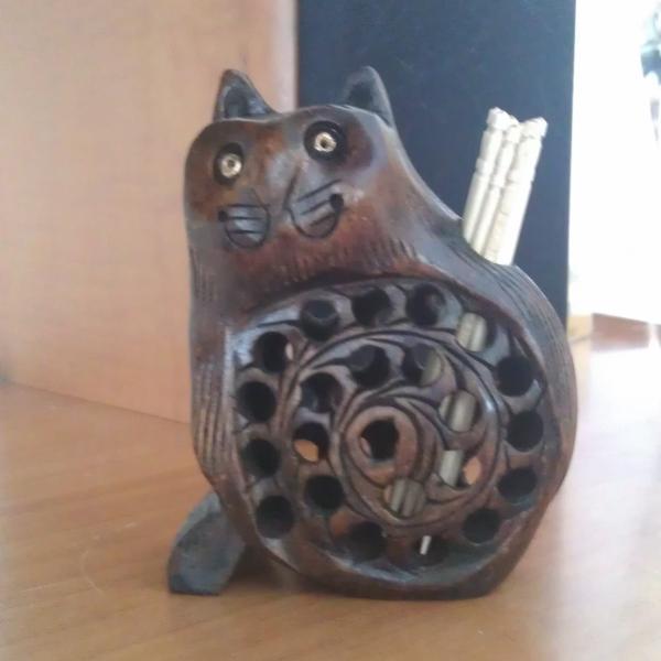 Деревянный котик для зубочисток
