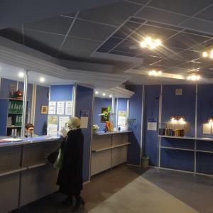 Офис газеты, немноголюдно и уютно.