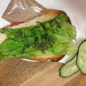 Купил бутерброд с индейкой Сыну!