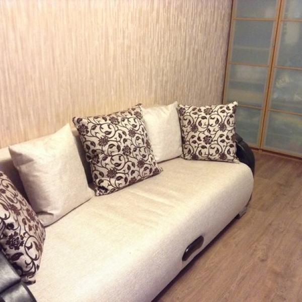 А вот и диван!)