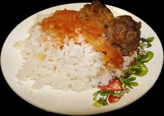 Рис с соусом  и тефтели всего 50 руб