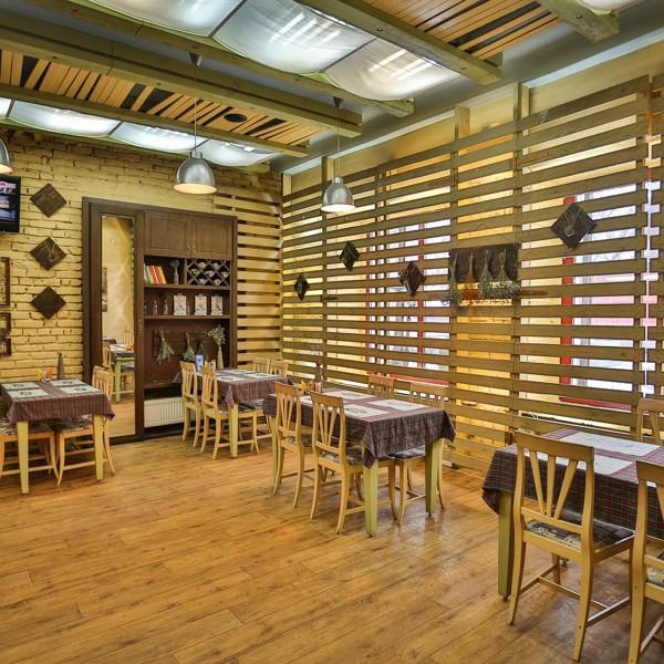 Основной зал до 50 посадочных мест