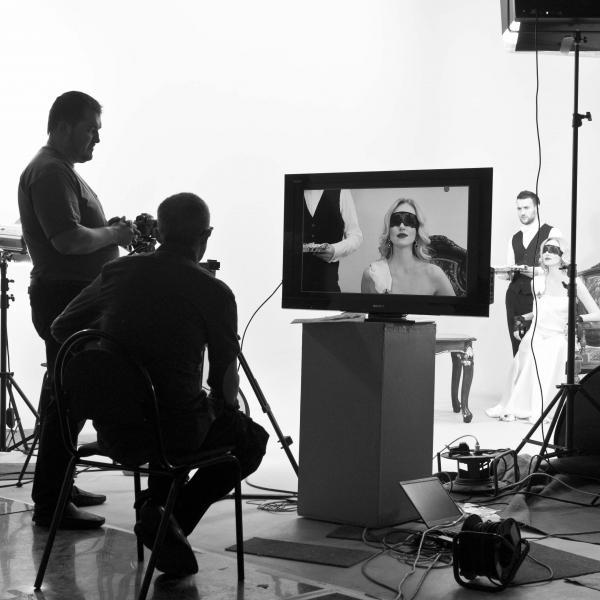 Фото со съемки ролика.