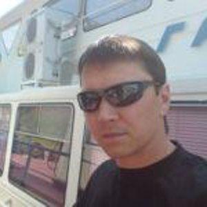Роберт Ханьяров