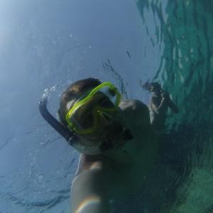 Возле отеля находиться коралловый риф, видели всё, от скатов и рыбешек, до мурен и огромных мант!!