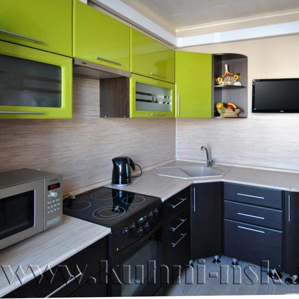 Размер кухонного гарнитура: 2400х1620 мм Стоимость мебели: 42 305 руб