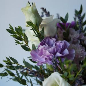 Прекрасный лиловый букет с лавандой