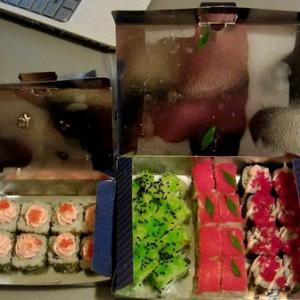 Конфеточки, салфеточки, красивая упаковка, символика, украшения на роллах-всё очень мило и приятно.