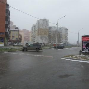 баннер на доме и 2 шт вдоль дороги, крепкие и сочные)