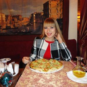 Пицца Капрезе,приготовленная в дровяной печи,изумительна!