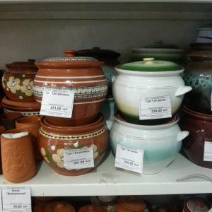 Таволожская керамическая посуда, изготовленная уральскими гончарами