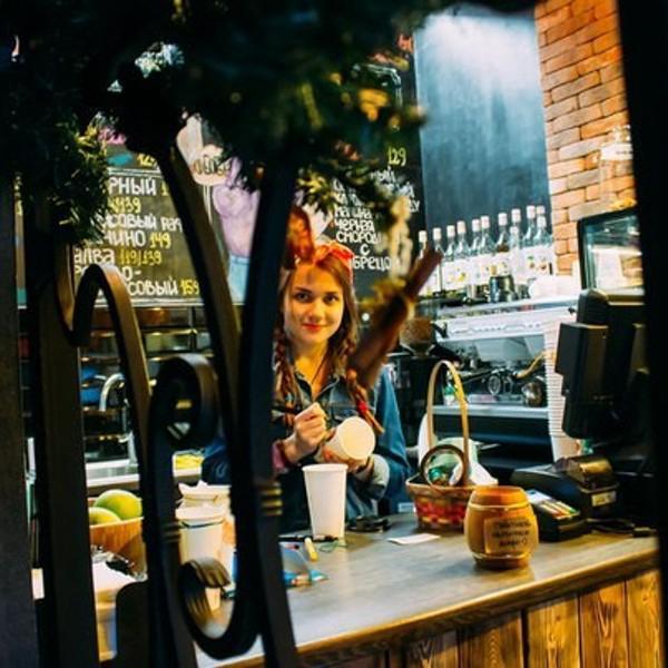 Эспрессо Бар кофейни на Ленина, и прекрасная бариста Вера.