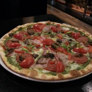 Мясная пицца с Песто