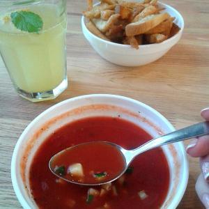 Красный красный суп.