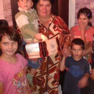 Одна из пяти семей, которым мы передали торты во время акции