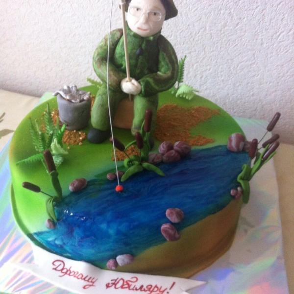 Так выглядел третий торт от этой студии, получилось очень хорошо.