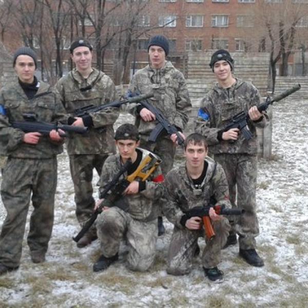 С друзьями после игры сделали немного фотографий, ждем фото которые делали организаторы.)))