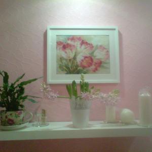 Рамка, полка, цветы и свечи Ikea, сама картина Мамина вышивка
