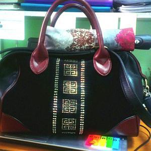 Мои новенькие зонтик и сумочка ;-)