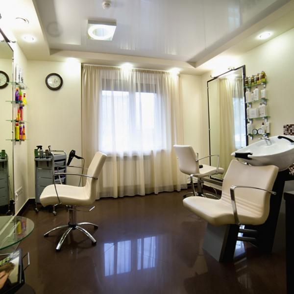 Парикмахерский кабинет салона красоты Респект.
