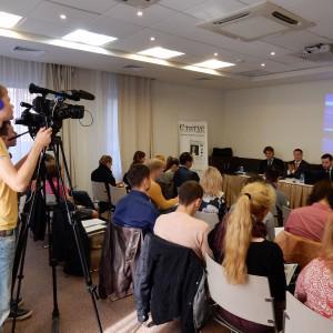 Пресс-конференция в одном из залов Новотеля