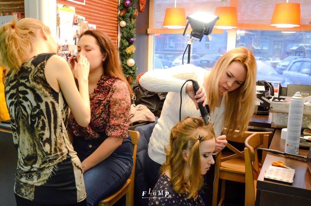 Грим, причёски — подготовка полным ходом!