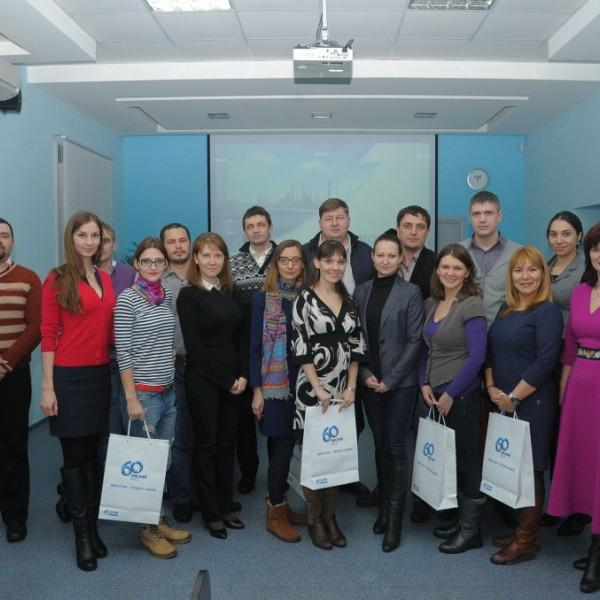 ОАО Газпром-ОНПЗ: вручение сертификатов об успешном окончании курса Business English