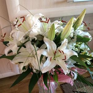 Я не флорист, но нахожу этот букет красивым)