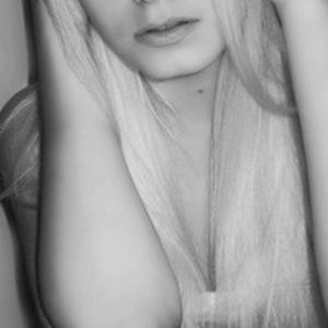 Наташа Любимова